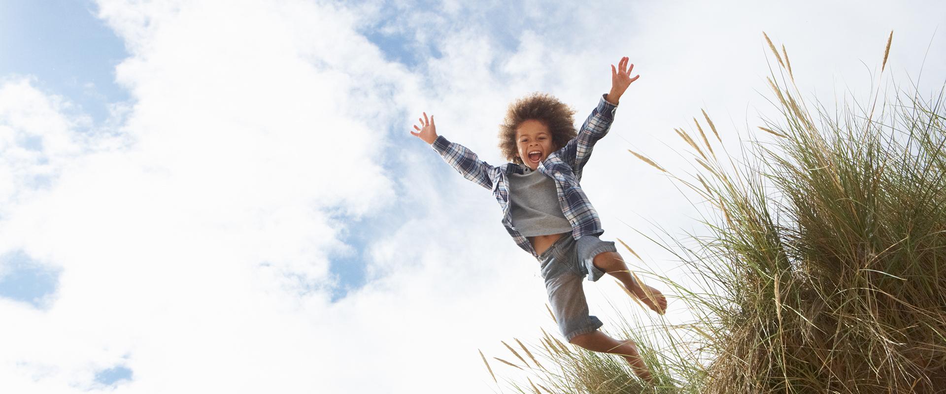 kind, jongen, springen, natuur